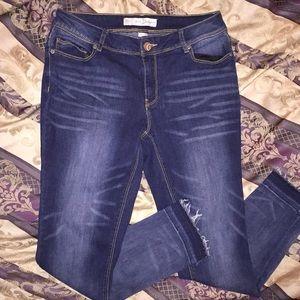 Est. 1946 Denim size 6 straight skinny jeans
